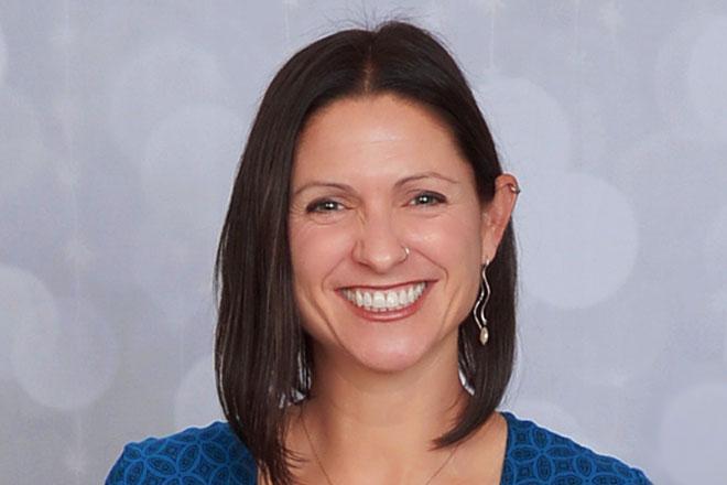 Cristine Kosnik,理科硕士、质量审核员 (CQA)